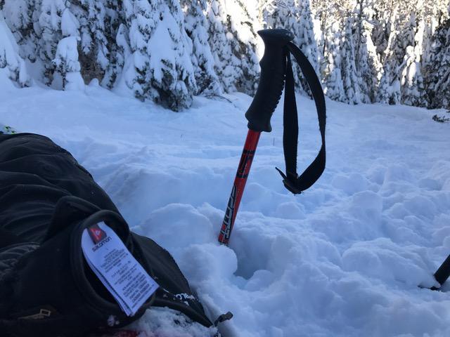 massif-charlevoix-4-dec-16-baton-dans-la-neige-img_0285