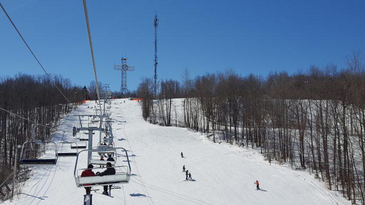 19 mars 2017 –Mont Bellevue – Soleil et ciel bleu pour terminer la saison.
