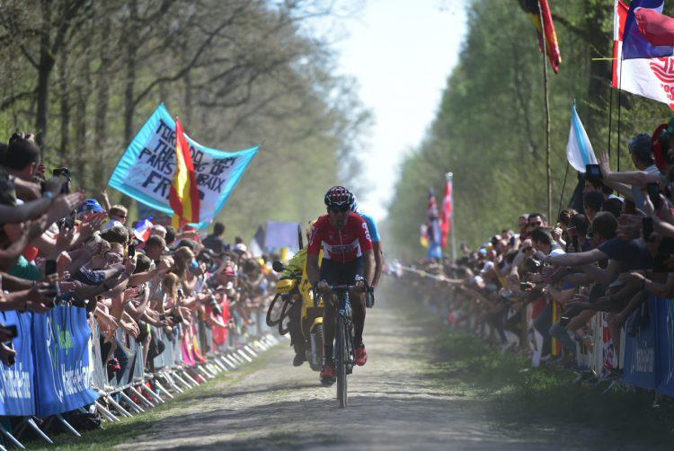 Paris-Roubaix : Duchesne chûte, Houle termine 63e