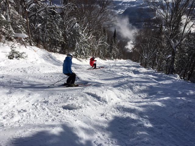 Mont Sainte-Anne, Ciel bleu, neige en masse = superbe journée, le 16 décembre 2017