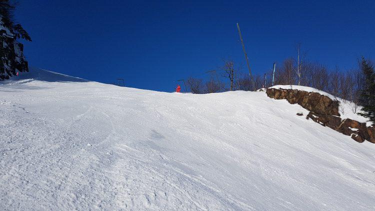 Mont Orford — Dimanche 28 janvier — Le ciel est bleu, mais les conditions ont durcit durant la nuit !