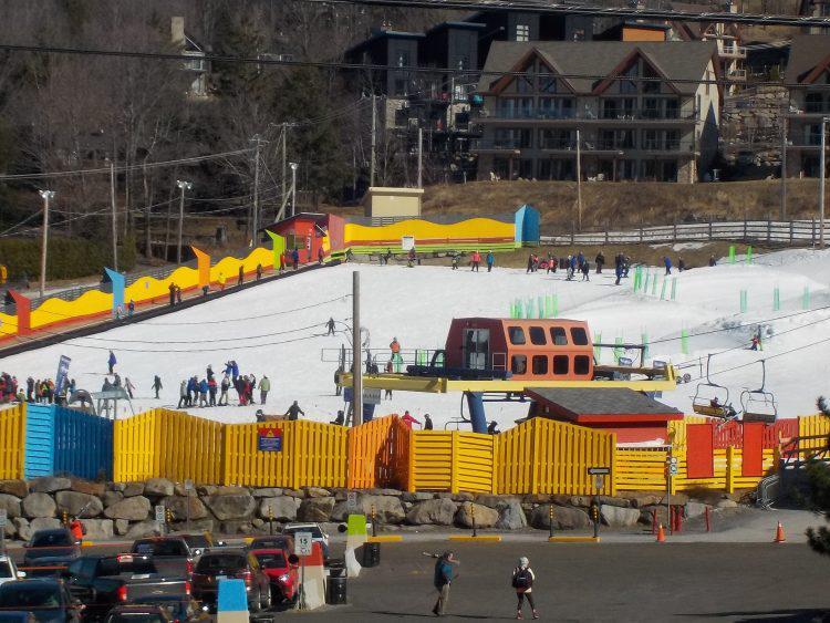 Mont Bromont, Mardi le 27 fév. 2018.  N'attendez pas , n'hésitez pas , le ski à son meilleur!