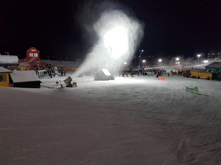Ski Bromont — Jeudi 27 décembre 2018 en soirée — Fabrication de neige et travail mécanique