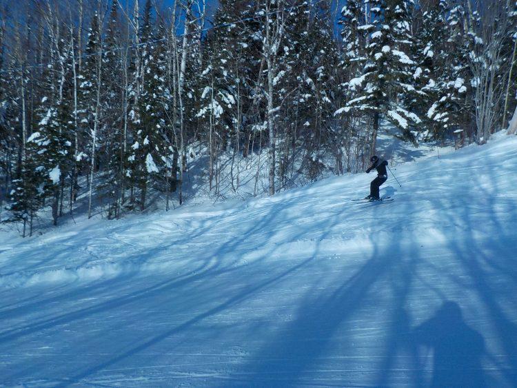 Le Mont Grand-Fonds, Montagne pas très haute, mais comportant plusieurs pistes noires double losanges. Vendredi le 24 janvier 2020.