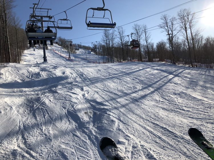 Bromont, montagne d'expériences – Neige parfaite sous soleil rayonnant – 1er mars 2020