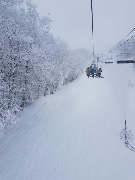 Ski Mont Sutton — 7 janvier 2021 — Une légère neige est tombée