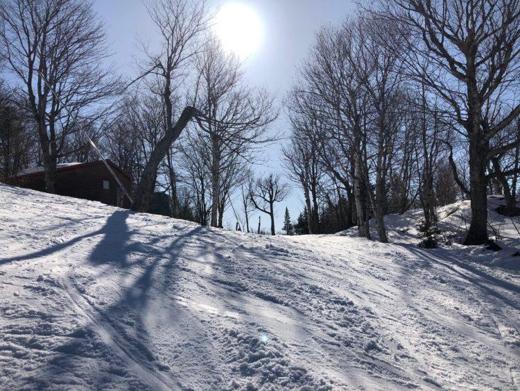 Du vrai ski de printemps au Mont Sutton